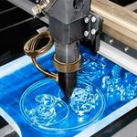 Какое оборудование применяется для нанесения рисунка на стеклянную поверхность?