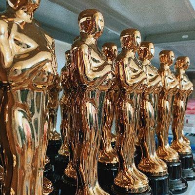⠀ ⠀ ⠀ ⠀ ⠀ ⠀ ⠀ ⠀ ⠀ ⠀ Мир! 🤝 ⠀ ⠀ ⠀ ⠀ ⠀ ⠀ ⠀ ⠀ ⠀ Труд! 🛠 ⠀ ⠀ ⠀ ⠀ ⠀ ⠀ ⠀ ⠀ ⠀ Май! 🌿 ⠀ И наши прекрасные именные Оскары 🏆 ждут своих владельцев ⠀ Например, вручи своей девушке, победившей в номинации 'самая лучшая' 🥂 ⠀ ⠀ ⠀⠀🏆 Материал : ⠀⠀ керамика - 1290 ₽ 💸 ⠀⠀ пластик - 990 ₽ 💸 ⠀ ⠀ 🤳🏻 для заказа пиши в Директ или переходи на наш сайт 🌐 в шапке профиля 👆🏻
